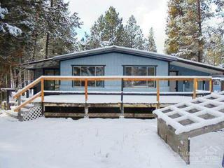 745 Hackett, La Pine, OR 97739 (MLS #201701036) :: Fred Real Estate Group of Central Oregon