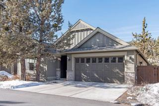 3069 NW Clubhouse Drive, Bend, OR 97703 (MLS #201701259) :: Birtola Garmyn High Desert Realty