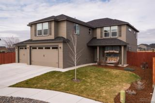 3273 SW Evergreen Avenue, Redmond, OR 97756 (MLS #201701978) :: Birtola Garmyn High Desert Realty