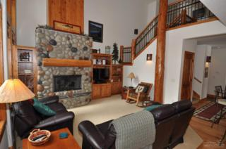 4 Aquila Lodge, Sunriver, OR 97707 (MLS #201702261) :: Birtola Garmyn High Desert Realty