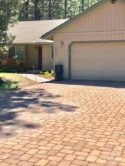 16957 Indio, Bend, OR 97707 (MLS #201704917) :: Windermere Central Oregon Real Estate