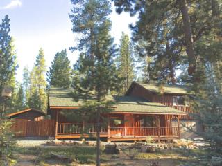 14361 Brown Trout Way, La Pine, OR 97739 (MLS #201704718) :: Fred Real Estate Group of Central Oregon