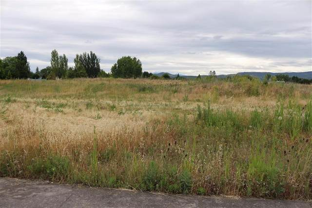 5428 Bierson Way, Central Point, OR 97502 (MLS #102978921) :: Bend Homes Now