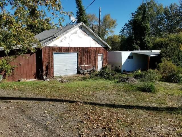 137 N Phoenix Road, Phoenix, OR 97535 (MLS #103003970) :: Rutledge Property Group