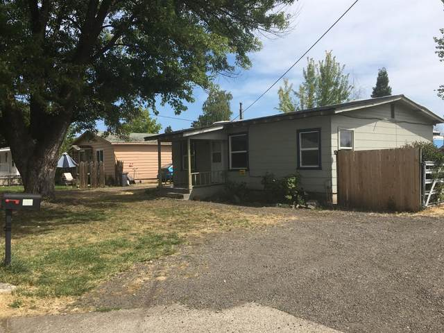 12 Mace Road, Medford, OR 97501 (MLS #103006430) :: Bend Relo at Fred Real Estate Group