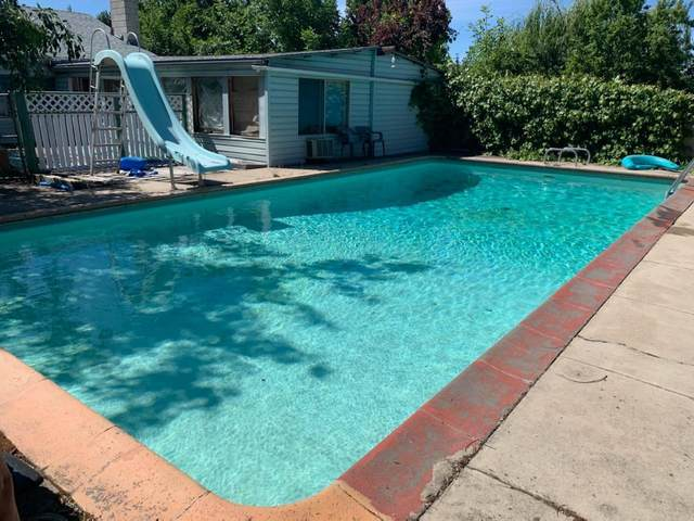 2290 Corona Avenue, Medford, OR 97504 (MLS #103007973) :: Berkshire Hathaway HomeServices Northwest Real Estate