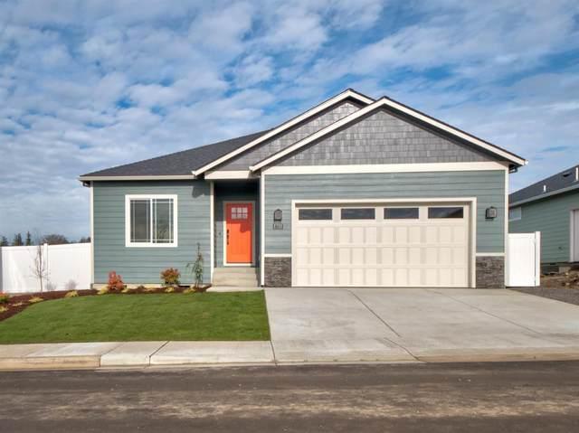 1954 Modena Lane, Medford, OR 97504 (MLS #103010761) :: Berkshire Hathaway HomeServices Northwest Real Estate