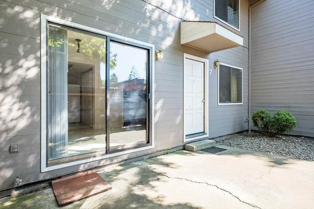 600 W First Street #7, Phoenix, OR 97535 (MLS #103010804) :: Bend Homes Now
