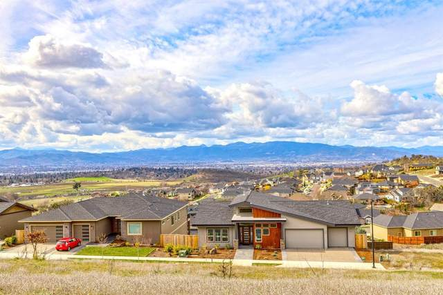 4569 Innsbruck Ridge, Medford, OR 97504 (MLS #103011017) :: Premiere Property Group, LLC