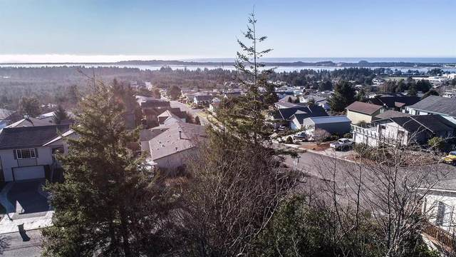 815 Prefontaine Drive, Coos Bay, OR 97420 (MLS #103011127) :: The Payson Group