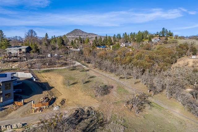 4055 Monte Vista Drive, Medford, OR 97504 (MLS #103011188) :: Team Birtola | High Desert Realty