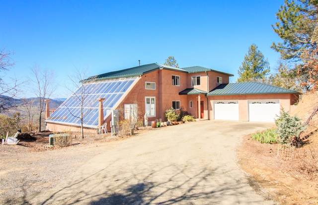 2744 Quail Run Road, Talent, OR 97540 (MLS #103011746) :: The Payson Group