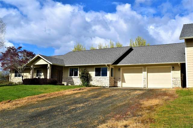 512 N Curry Road, Roseburg, OR 97471 (MLS #103012161) :: Bend Relo at Fred Real Estate Group