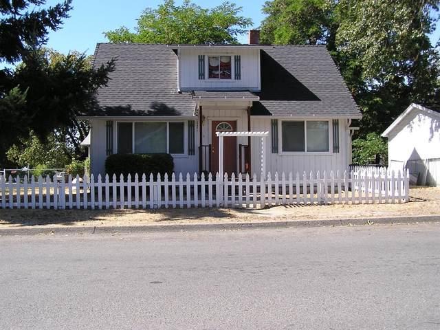 514 SW Pine Street, Grants Pass, OR 97526 (MLS #103012226) :: Berkshire Hathaway HomeServices Northwest Real Estate