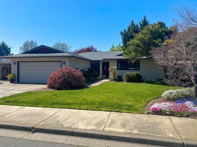 2281 Fairfield Drive, Medford, OR 97504 (MLS #103012440) :: Berkshire Hathaway HomeServices Northwest Real Estate