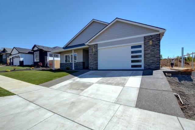 3256 Sky Way, Medford, OR 97504 (MLS #103012493) :: Rutledge Property Group