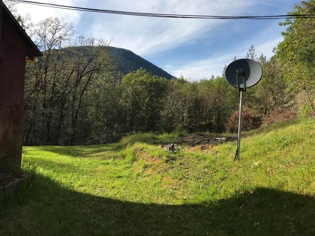 4790 Granite Hill Road, Grants Pass, OR 97526 (MLS #103012576) :: Bend Relo at Fred Real Estate Group
