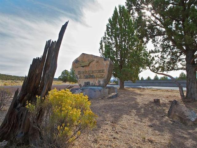 11756 SE Go Around Court, Prineville, OR 97754 (MLS #201309440) :: Birtola Garmyn High Desert Realty