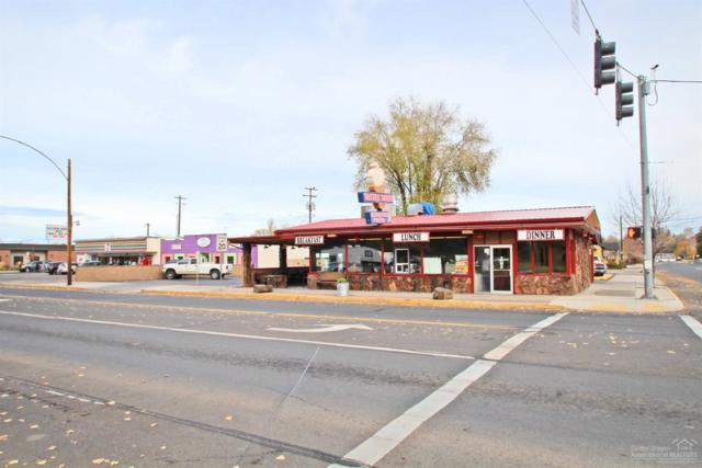 493 NE 3rd Street, Prineville, OR 97754 (MLS #201700033) :: Birtola Garmyn High Desert Realty