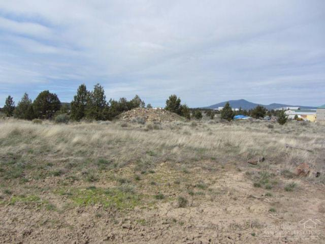 2883 SW High Desert Drive, Prineville, OR 97754 (MLS #201700942) :: Birtola Garmyn High Desert Realty