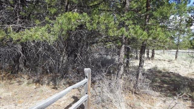 25 Split Rail, La Pine, OR 97739 (MLS #201702540) :: Birtola Garmyn High Desert Realty
