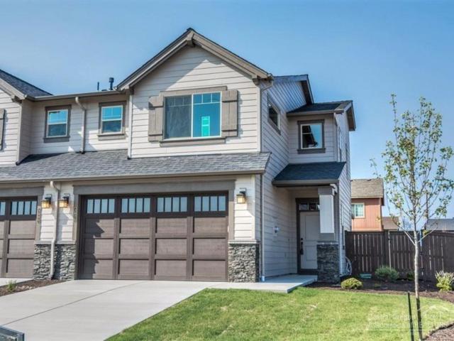 3055 SW Black Butte Lane, Redmond, OR 97756 (MLS #201702866) :: Birtola Garmyn High Desert Realty