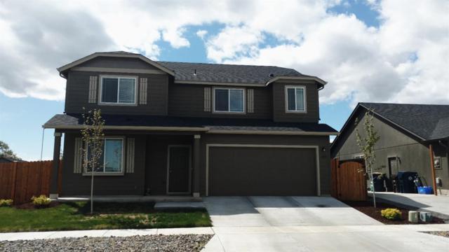 3102 SW Deschutes Avenue, Redmond, OR 97756 (MLS #201703972) :: Birtola Garmyn High Desert Realty