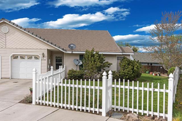 2735 SW Umatilla Court, Redmond, OR 97756 (MLS #201704080) :: Birtola Garmyn High Desert Realty