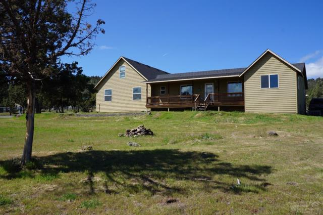 7037 SE Davis Loop, Prineville, OR 97754 (MLS #201704569) :: Birtola Garmyn High Desert Realty