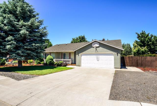 839 NW Negus Lane, Redmond, OR 97756 (MLS #201705990) :: Birtola Garmyn High Desert Realty
