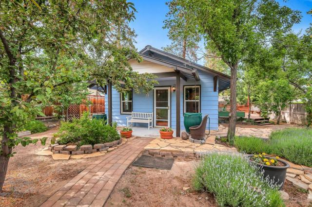 1302 NW Davenport Avenue, Bend, OR 97703 (MLS #201706122) :: Birtola Garmyn High Desert Realty