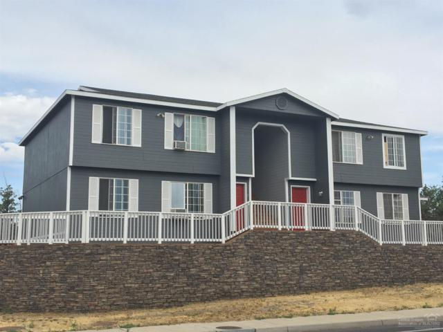 2704 SW Glacier Avenue, Redmond, OR 97756 (MLS #201707553) :: The Ladd Group