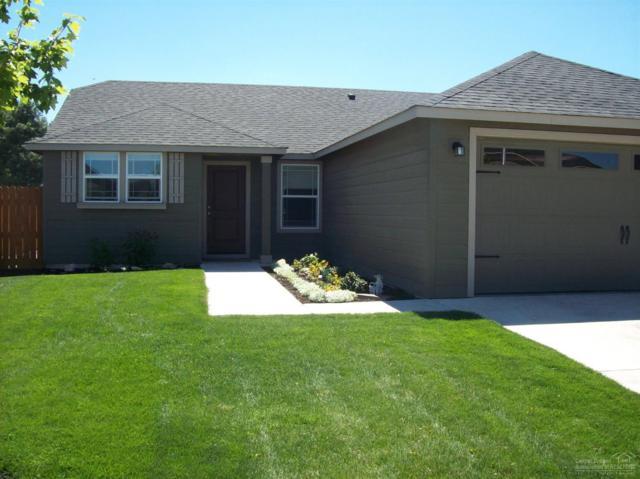 3156 SW Evergreen Avenue, Redmond, OR 97756 (MLS #201708453) :: Birtola Garmyn High Desert Realty