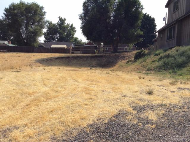 708 NE Loper Avenue, Prineville, OR 97754 (MLS #201709080) :: Birtola Garmyn High Desert Realty