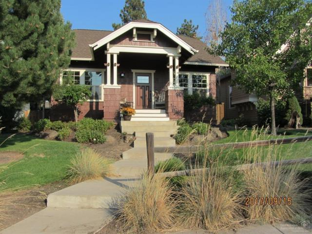 1346 NW Mt Washington Drive, Bend, OR 97703 (MLS #201709291) :: The Ladd Group