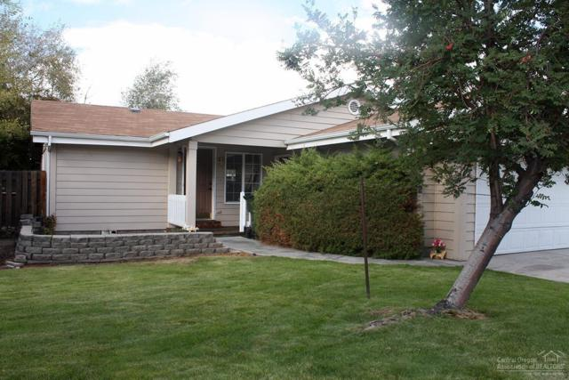 2632 NE Rosemary Drive, Bend, OR 97701 (MLS #201709653) :: Fred Real Estate Group of Central Oregon