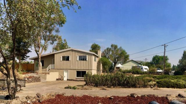 1352 SW Sw 17th Street, Redmond, OR 97756 (MLS #201709693) :: Fred Real Estate Group of Central Oregon