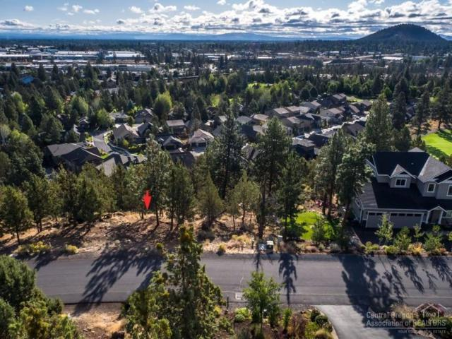 3335 NW Fairway Heights Drive, Bend, OR 97703 (MLS #201709767) :: Birtola Garmyn High Desert Realty