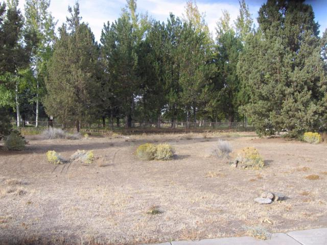 4335 SW Ben Hogan Drive, Redmond, OR 97756 (MLS #201710257) :: Birtola Garmyn High Desert Realty
