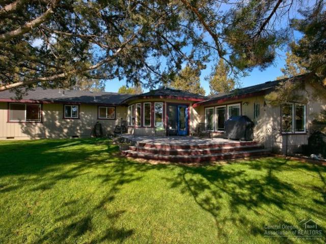 62900 Santa Cruz Avenue, Bend, OR 97701 (MLS #201710274) :: Birtola Garmyn High Desert Realty