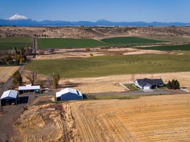 5260 NE Clark Drive, Madras, OR 97741 (MLS #201710951) :: Windermere Central Oregon Real Estate