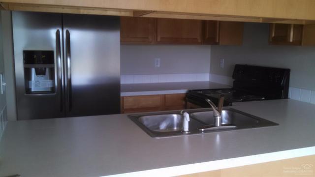 1125 SW 27th Street, Redmond, OR 97756 (MLS #201711246) :: Birtola Garmyn High Desert Realty