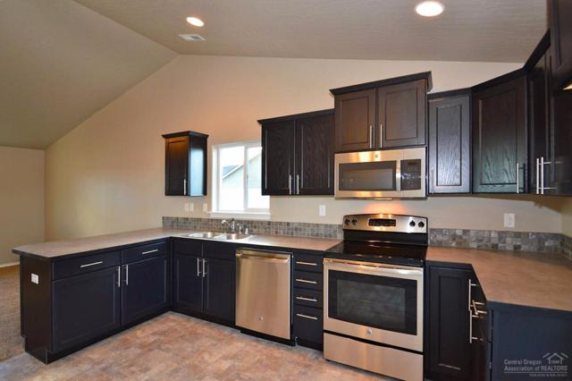 441 NE 3rd Street, Redmond, OR 97756 (MLS #201711265) :: Birtola Garmyn High Desert Realty