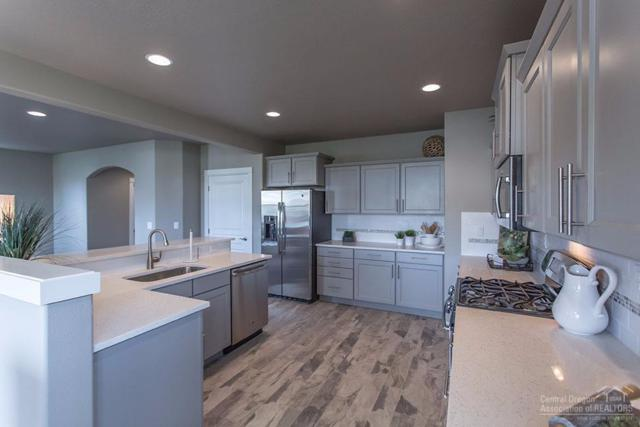 3577 SW Pumice Stone Avenue, Redmond, OR 97756 (MLS #201711268) :: Birtola Garmyn High Desert Realty