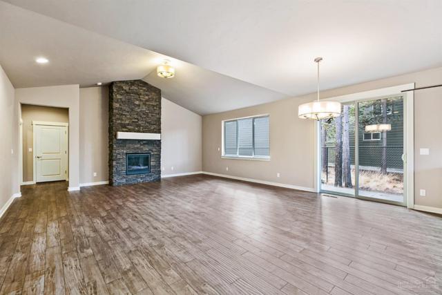 51844 Hollinshead Place, La Pine, OR 97739 (MLS #201711605) :: Windermere Central Oregon Real Estate
