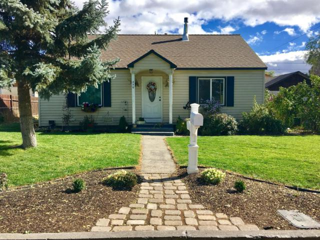250 SW 12th Street, Redmond, OR 97756 (MLS #201800240) :: The Ladd Group
