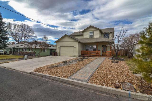 261 SE Fairview Street, Prineville, OR 97754 (MLS #201800752) :: The Ladd Group