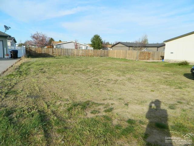 735 NE Ute Court, Redmond, OR 97756 (MLS #201801442) :: Stellar Realty Northwest