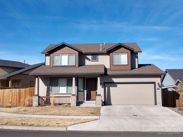 63415 NE Lamoine Lane, Bend, OR 97701 (MLS #201802201) :: Pam Mayo-Phillips & Brook Havens with Cascade Sotheby's International Realty
