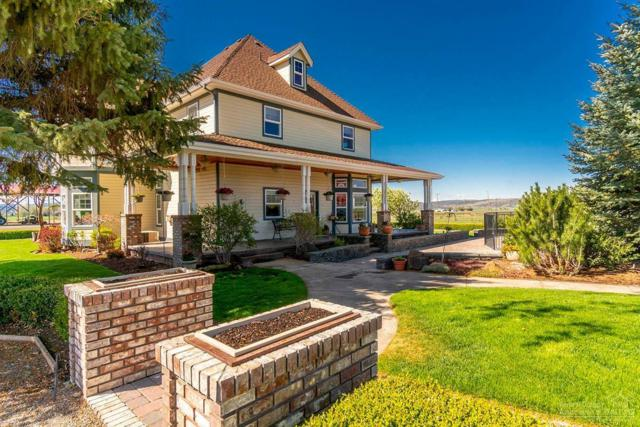 8521 NW Mountain View Acres Drive, Prineville, OR 97754 (MLS #201803830) :: Premiere Property Group, LLC